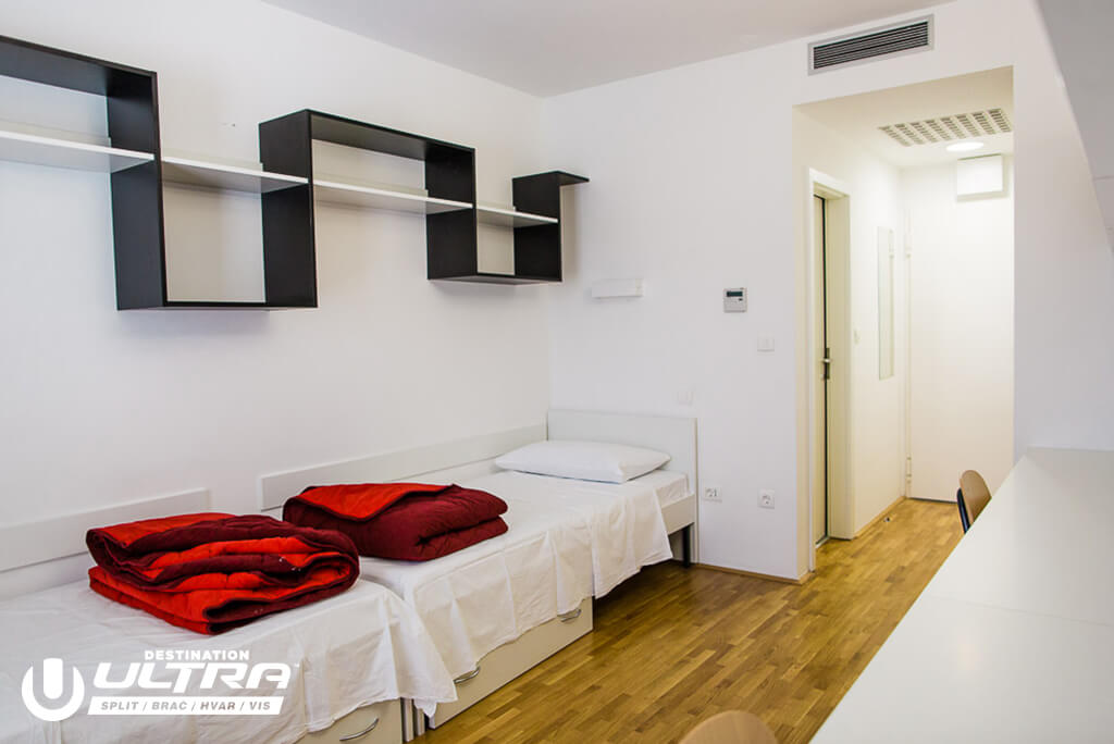 europe-hostels-2